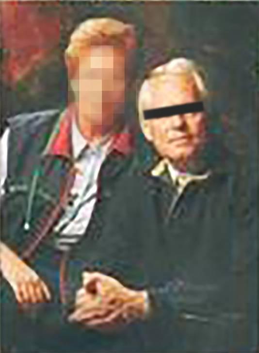 De gearresteerde Aaldert van E. (rechts), zoals hij in 2000 op de omslag van zijn autobiografie 'Roeping? Ga er dan voor!' stond.