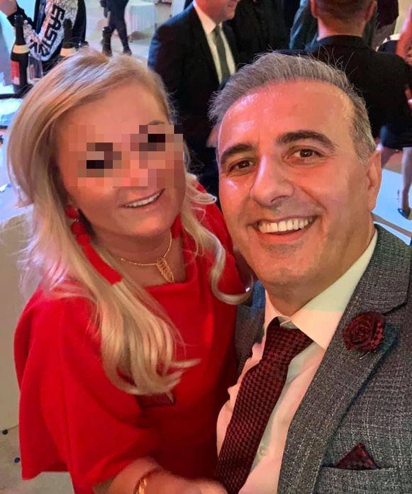 N-VA-politicus Melikan Kucam met zijn echtgenote.