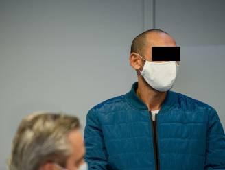 """""""Hij trapte op zijn nek en schold zijn moeder uit"""": getuigen komen aan het woord tijdens assisenproces Ebrahimi"""