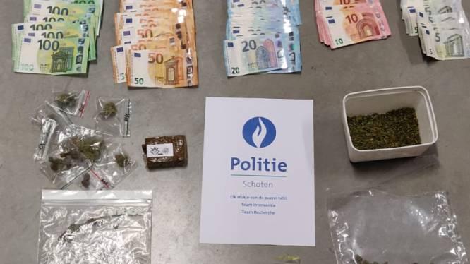 Twee jonge drugsdealers opgepakt, één van de twee ook verdacht van cannabisteelt en diefstal van steps