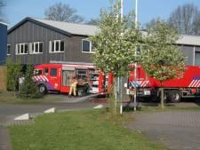Bedrijfspand in Weerselo vol rook door afvalbrand