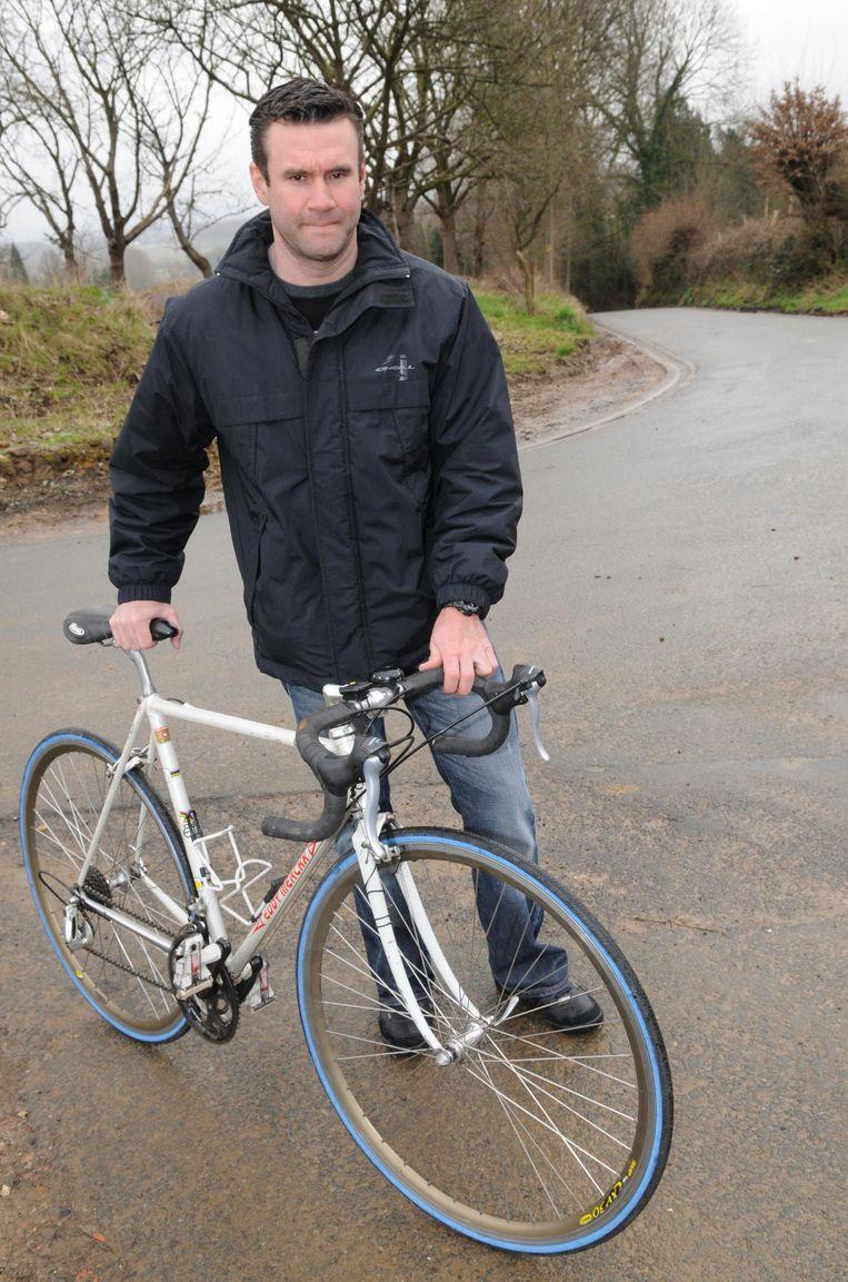 Serge Baguet op de Eikenmolen in Lierde. Het was zijn favoriete plek om naar de Ronde van Vlaanderen te kijken.