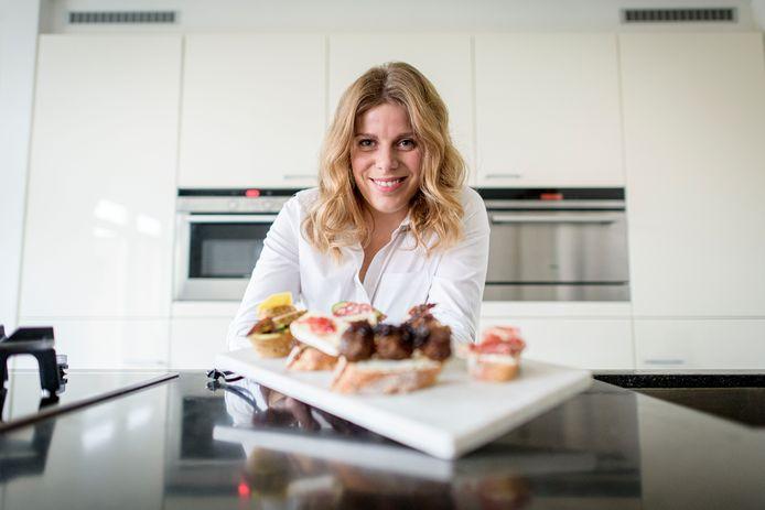 Saskia Hoekman is een cateringbedrijf gestart onder de naam 'Stoet moet'. Is voor de rubriek Bedrijvigheid.