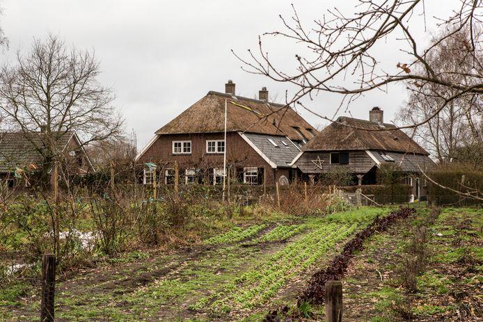 Het omstreden pand in Klein Dochteren waar acht luxe bed and breakfastkamers zouden moeten komen volgens ondernemer Jalbert Kuijper.