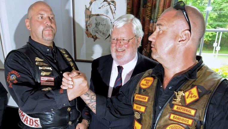 Vertegenwoordigers van de Hells Angels en Bandidos sluiten vrede in mei 2010, in Duitsland. Beeld EPA