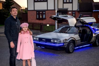 James heeft 93.000 euro over voor zijn eigen Back To The Future-auto