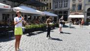 Freelance kunstenaars en cultuurwerkers vertolken 'stilstand' op Grote Markt