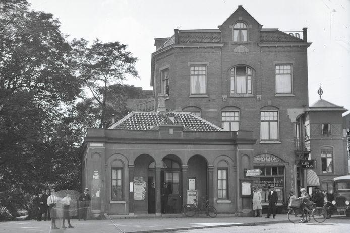 Politiepost Tolsteeg in 1928.