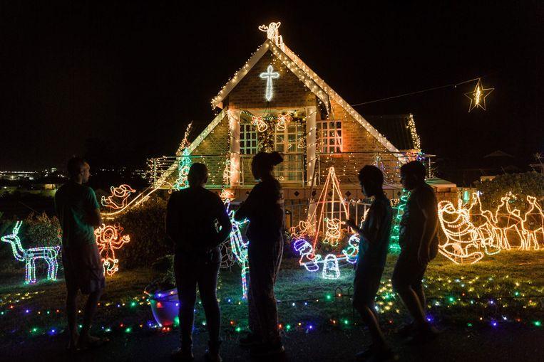 Veel Zuid-Afrikanen vieren de kerstdagen in de streek waar hun familie vandaan komt, zoals hier ten noorden van Durban.  Beeld AFP