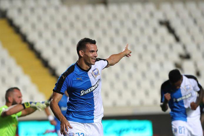 Emilio Zelaya juicht na zijn doelpunt tegen Shamrock Rovers.