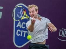 Van de Zandschulp treft reuzendoder Sels in finale NK tennis