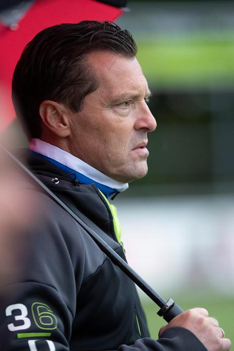 Jan Oosterhuis trainer van Duno, oud-prof wordt maandagavond gepresenteerd