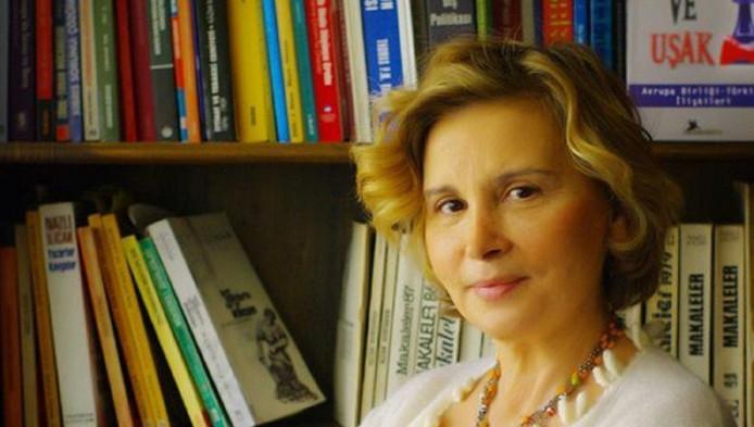 Ccommentator en voormalig parlementariër Nazli Illicak