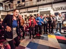 Swingen tijdens Elvis Sing Along in Tilburg