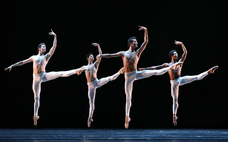 Classical Symphony van Ted Brandsen door Jared Wright, Martin ten Kortenaar, Vito Mazzeo en Daniel Robert Silva van door Het Nationale Ballet. Beeld Hans Gerritsen