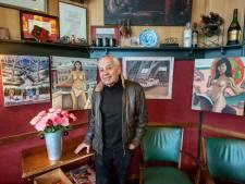 Denny Jacobs verkoopt zijn speelse naakten in zijn Arnhemse stamkroeg: 'Ook leuk voor Moederdag'
