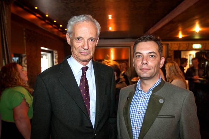 Ambassadeur Druml en Marco Huiskes op de bijeenkomst in Bathmen.