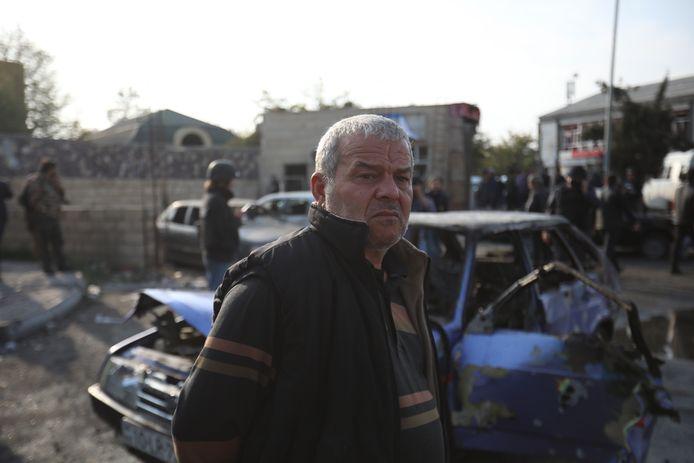 Een man na de aanval in Barda, Azerbeidzjan.