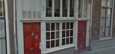 Al zeven jaar op slot: Pand van Café D'n Oetel nu klaar voor kantoor of winkel