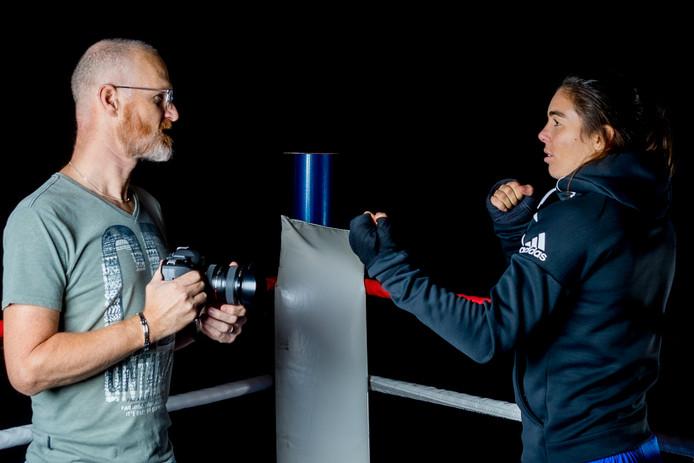 Fotograaf Paul Bekkers en boksster Nouchka Fontijn.