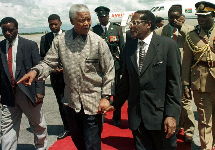 Met voormalig Zuid-Afrikaans president Nelson Mandela in 1998.