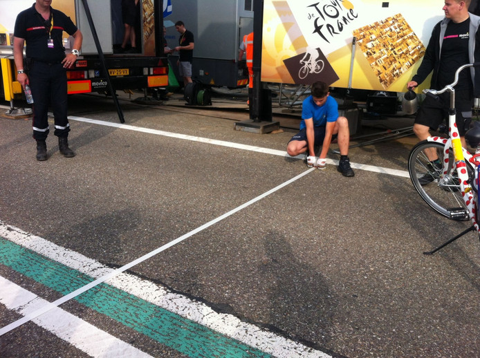 De organisatie van de Tour de France heeft om kwart voor negen de finishlijn voor de etappe van Utrecht naar Zeeland gelegd.