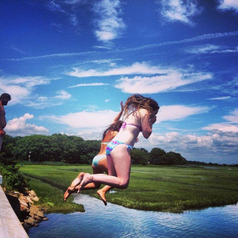 'Er is een plek waar je van een brug in een riviertje kunt springen, in Scorton Creek. Als het vloed is, kun je je met het getij mee de rivier laten afdrijven.' Beeld