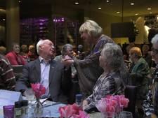Eenzame ouderen genieten van kerstdiners Ouderenfonds