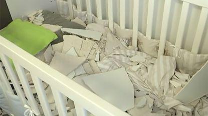 Deel plafond valt naar beneden: slapende peuter aan dood ontsnapt