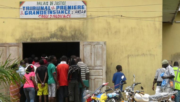 Deze foto uit 2012 toont het gerechtsgebouw waar twee Kameroense vrouwen terechtstonden voor homoseksualiteit. Beeld afp