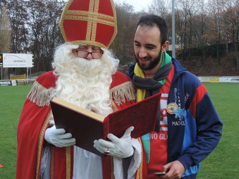 Sinterklaas bracht een bezoek aan de gemeentelijke basisschool in Overijse.