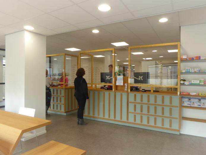 Het interieur van de nieuwe apotheek aan de Kapelstraat in Heeze.