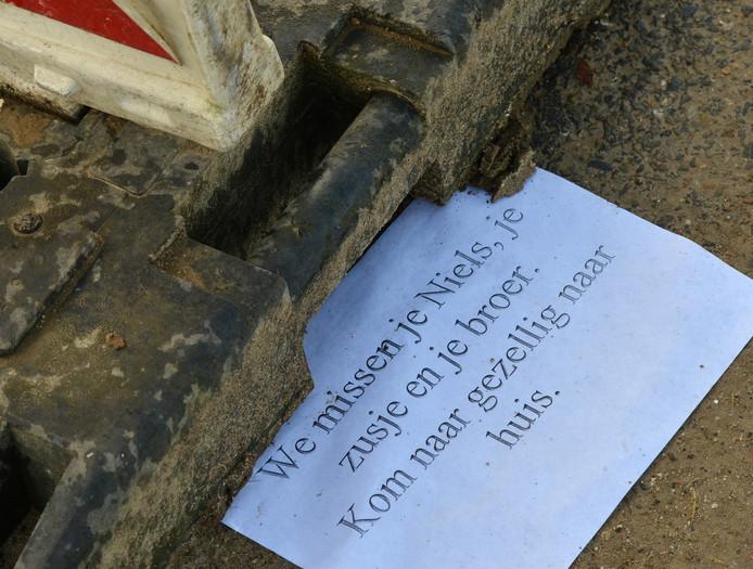 Een van de briefjes die de familie van Niels voor hem heeft achtergelaten.