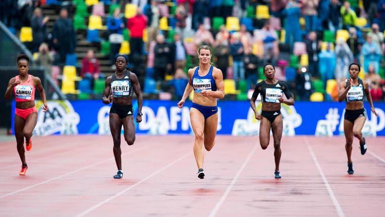 Dafne Schippers won op 22 mei van dit jaar de 200 meter sprint tijdens de FBK Games in Hengelo. Beeld anp