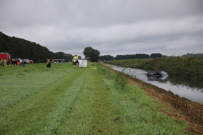 Bij een ernstig ongeluk aan de Gooiseweg in Zeewolde is een 38-jarige man uit Harderwijk verongelukt.