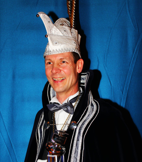 Lucien d'n Irste regeert over Klotland