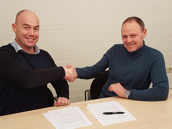 Voorzitter Roy Hermans met nieuwe Sparta'18-trainer Ronald Steijlen.