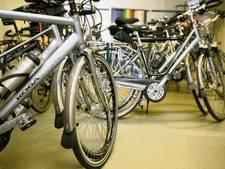 Vroomshoopse handelaren lijnrecht tegenover elkaar om fietsverkoop