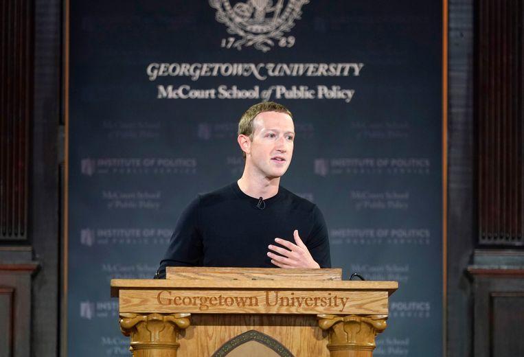 Facebookbaas Mark Zuckerberg tijdens de toespraak die hij donderdag gaf.  Beeld Getty Images for Facebook