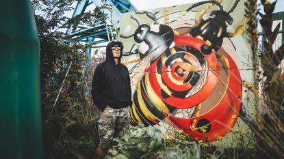 Deze jongeman zit achter de enorme graffiti in Gent