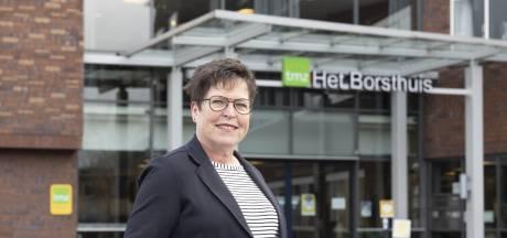 Specialist Astrid Knipscheer uit Hengelo: 'Hoe meet verpleeghuis vaccinatiegraad als AVG in de weg staat?'