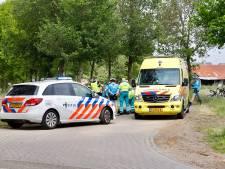 Wielrenners gewond door botsing in Gassel