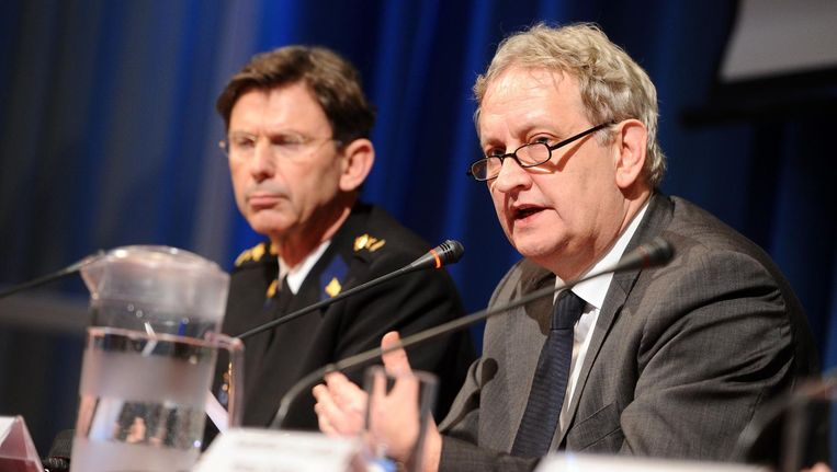 Eberhard van der Laan geeft persconferentie over Amsterdamse zedenzaak Beeld anp