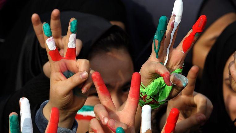 Iran Viert 35ste Verjaardag Van Revolutie Met Nieuwe Raketten