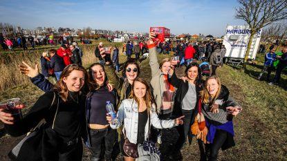 15.000 veldritfans zien Mathieu van der Poel en Denise Betsema Noordzeecross winnen