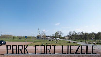 """Oppositie vreest te veel evenementen in Park Fort Liezele: """"Inwoners moeten hier nog rust vinden"""""""