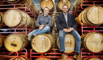 Zonder goedkeuring van deze twee mannen verlaat geen enkel biertje brouwerij De Molen