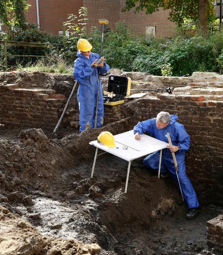 Archeologen hopen op sporen van middeleeuwse school in Gorinchem
