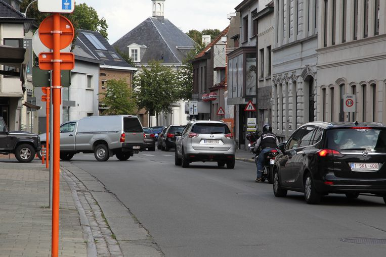 Vaak druk verkeer in Maldegem, zoals hier in de Westeindestraat.