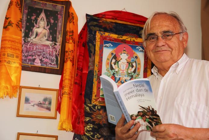 Twellonaar Wiel Palmen heeft een voorstelling gewijd aan de Nepalese danser Manab.